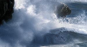 olas acantilado