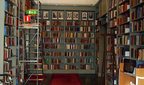 Biblioteca Nobel de estudios