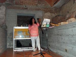 María Lilian Escobar en la cripta del Cabildo de la ciudad de Córdoba