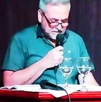 Carlos Carbone Micrófono