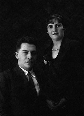 Manuel Chaves Nogales y su esposa en 1923